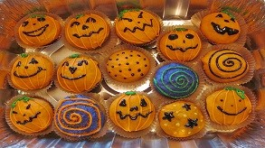 Bring a Friend (Or Two!) To Halloween Cupcake Wars